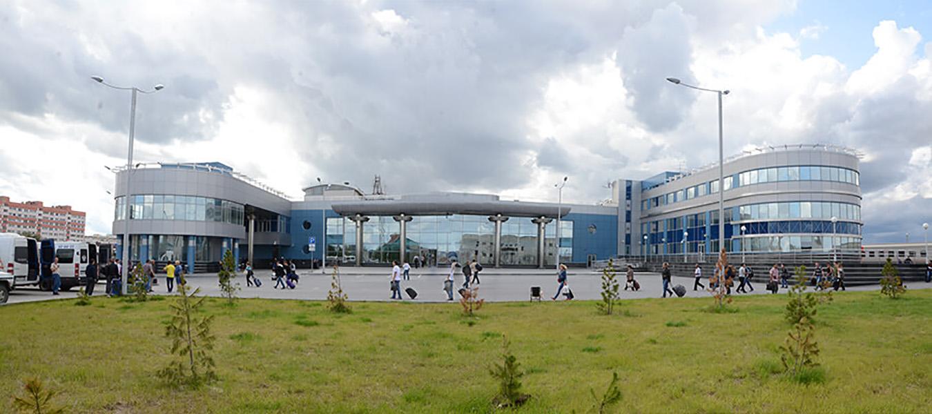 Панорама здания вокзала в Новом Уренгое