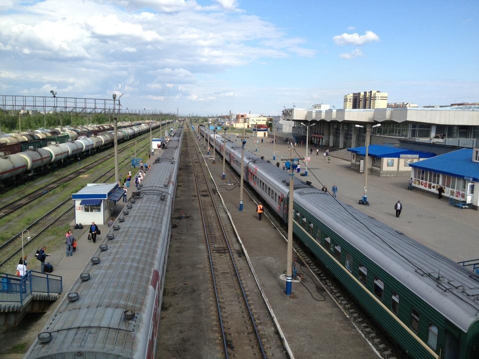 Платформы ж/д станции Сургут