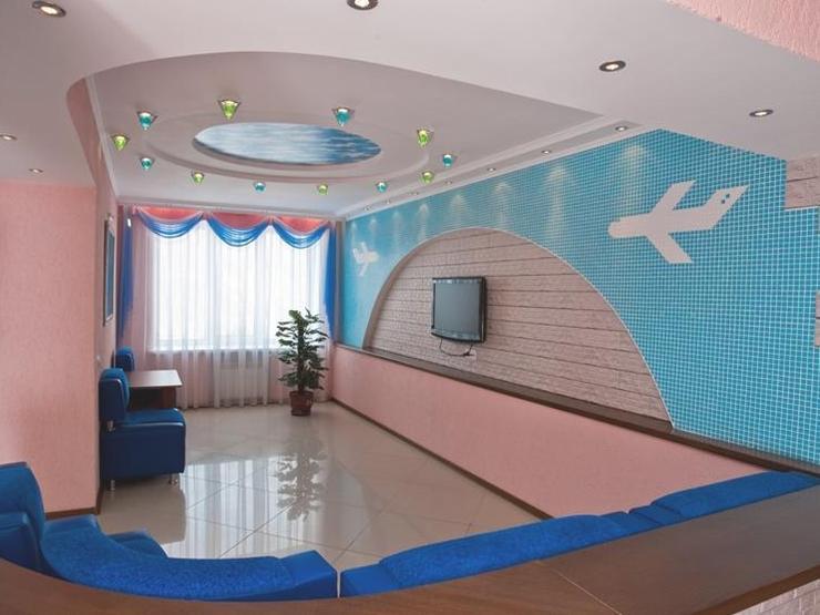 Уютный холл отеля