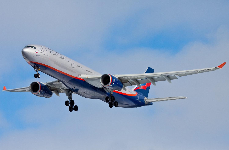 Лучшие места в самолете Airbus A330 300 авиакомпании Аэрофлот: схема салона