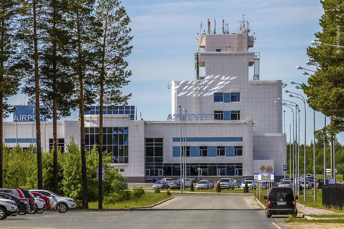 Парковка натерритории аэропорта «Советский»