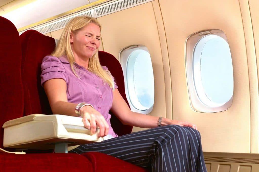 Можно ли после инсульта летать на самолете: когда можно начинать, возможные угрозы