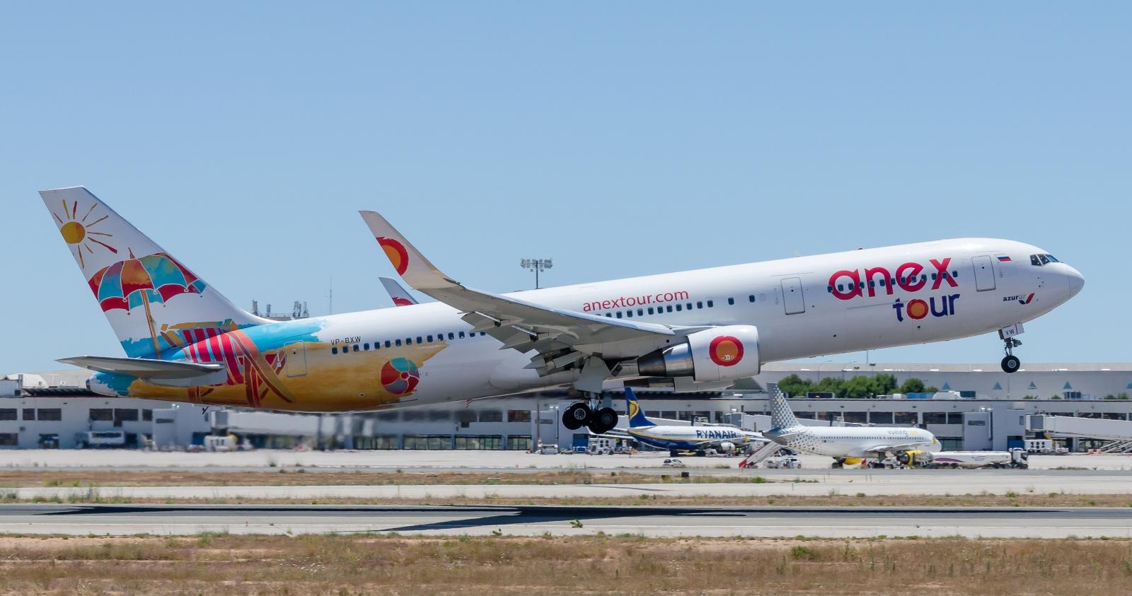 Boeing 767 авиакомпании Azur Air вливрее Anex tour