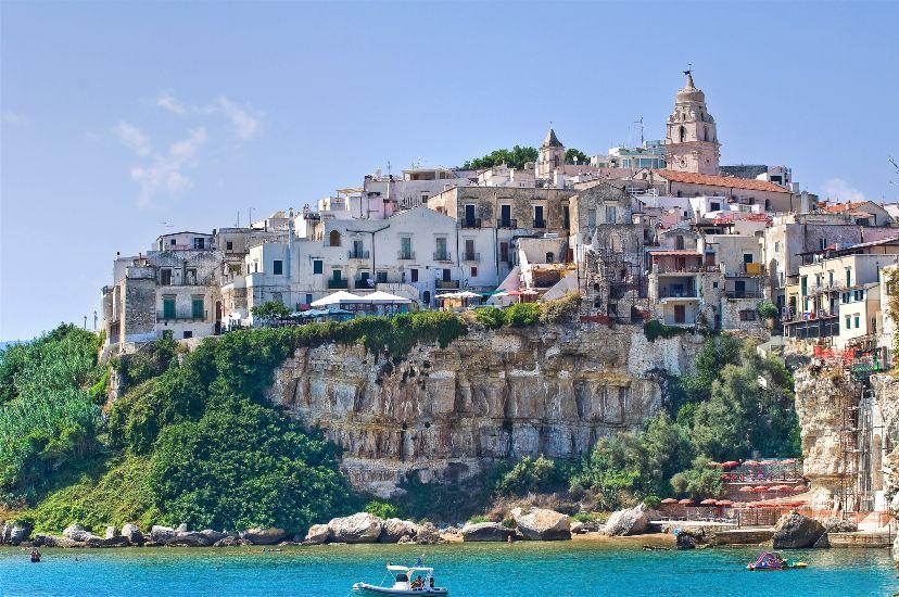 Апулия Италия Достопримечательности пляжи домики тролей фото и описание отдых на море интересные места