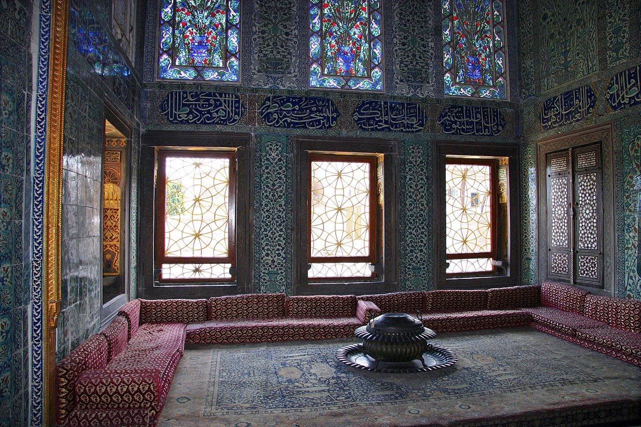 Дворец Топкапы в Стамбуле с фото гарема и покоев Хюррем